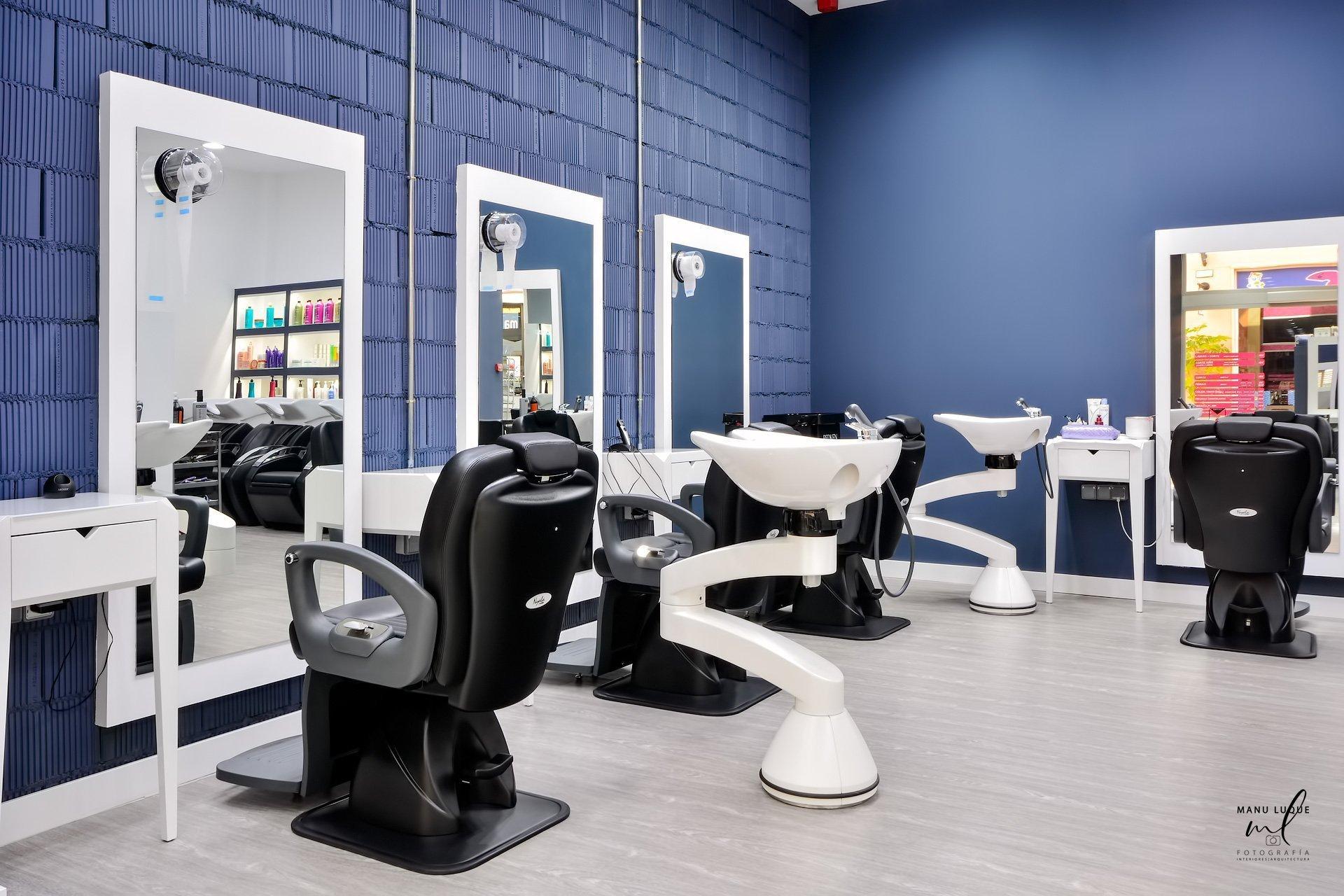 Zona caballeros de peluquería Frágola en La Zenia
